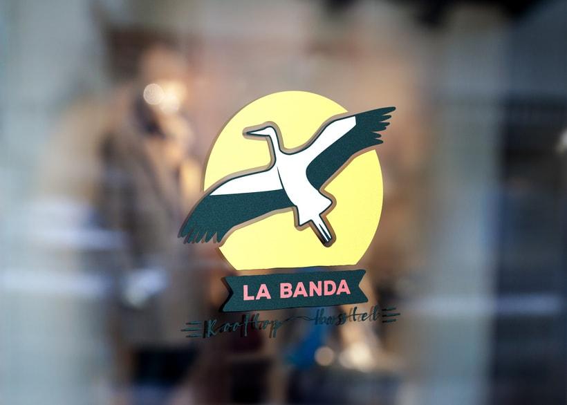 Mi propuesta de logotipo para La Banda Rooftop Hostel. 1