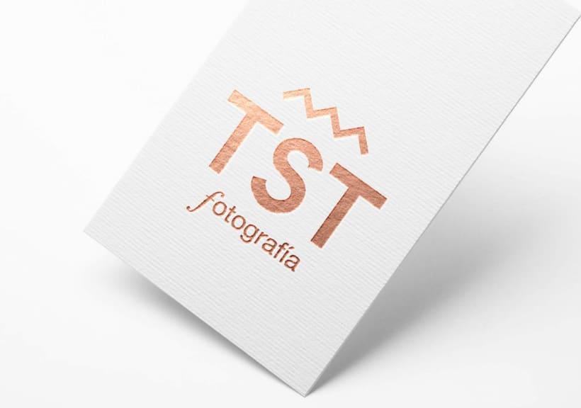 Rediseño de identidad   Toust Fotografía  10