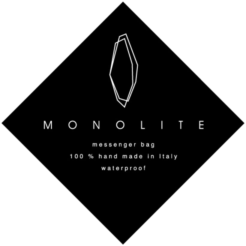 Direction and design for the messenger bag Monolite -1