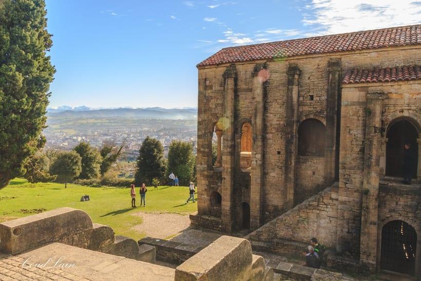 Santa Maria del Naranco, monumento prerromanico de Oviedo - Asturias 3