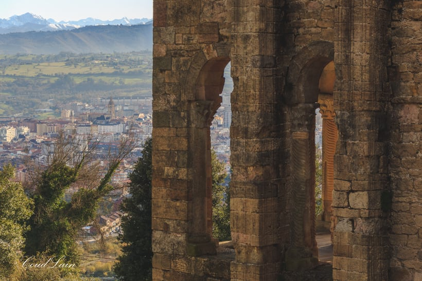 Santa Maria del Naranco, monumento prerromanico de Oviedo - Asturias 4