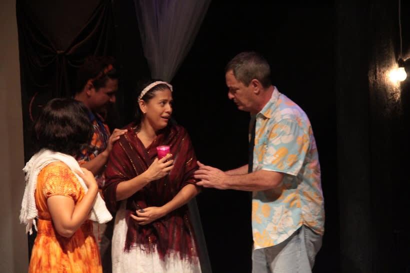 Registro fotográfico de la obra de teatro Culebra de agua / Enrique Caballero Vela / Actor de teatro mexicano -1