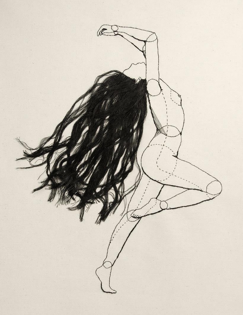 Anatomía femenina bordada con hilo y aguja 6