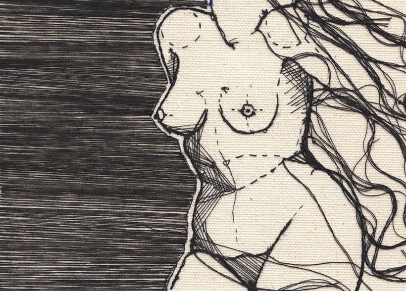Anatomía femenina bordada con hilo y aguja 11