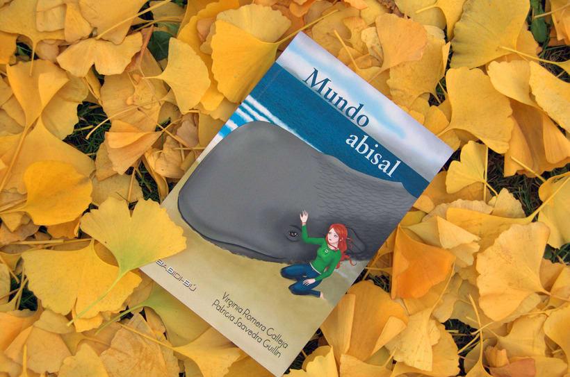"""Escritora del libro """"Mundo abisal"""". (Literatura juvenil) -1"""