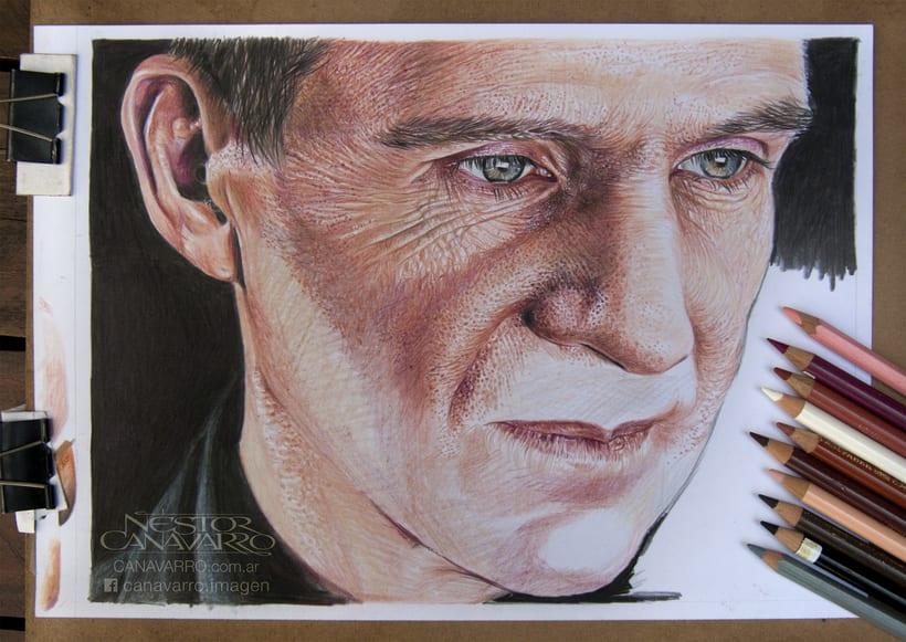 Ralph Fiennes en Lápices de Colores 7