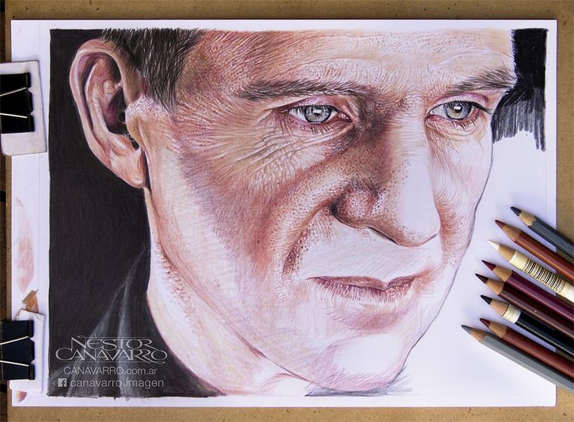 Ralph Fiennes en Lápices de Colores 6