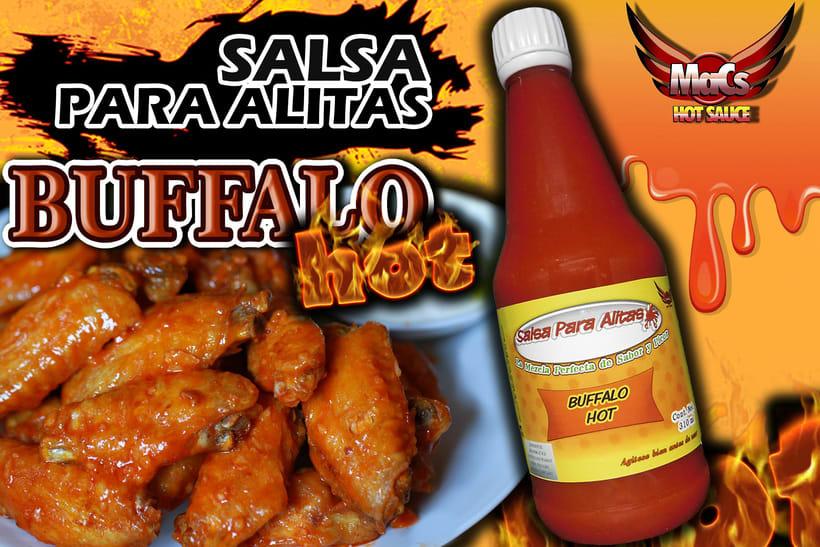 """Diseño de etiqueta de producto, y cartel publicitario. SALSA PARA ALITAS """"Macs Hot Sauce"""" Familia BUFFALO: Clásico, Garlic y Hot. 0"""
