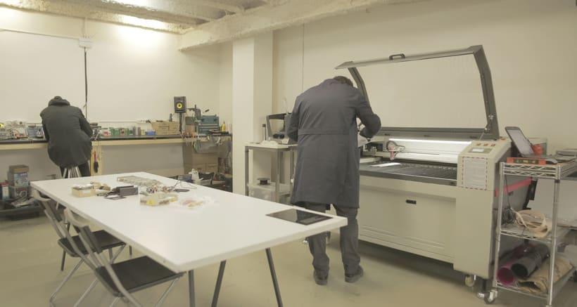 Buscamos interesados en fabricación digital para compartir local (taller + oficinas). Barcelona.  4