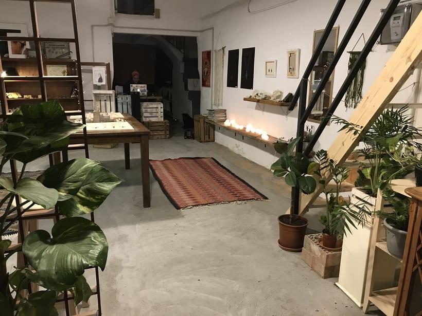Busco creativos y joyeros que quieran compartir taller en Barcelona  1