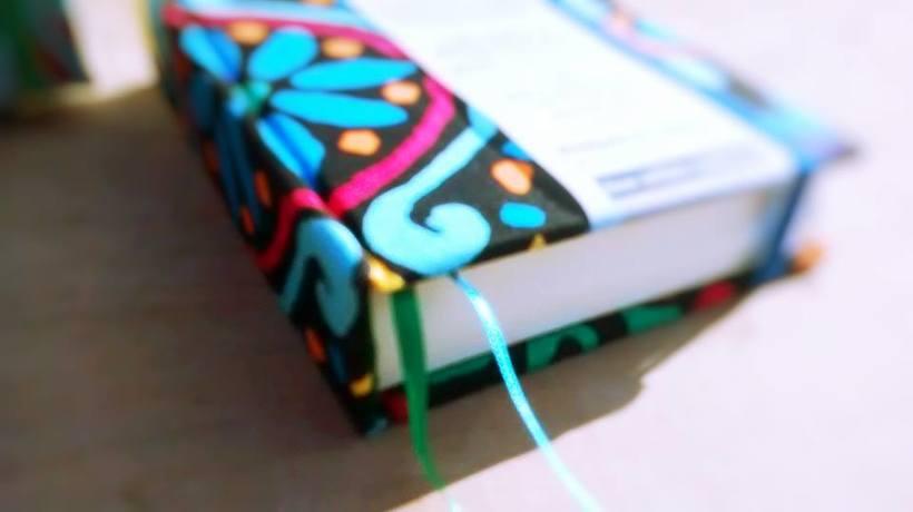 Dedicada al oficio de hacer cuadernos con las manos, y de diseñar 1