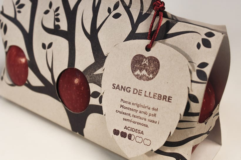 Packaging Project: Pomes del Montseny 1