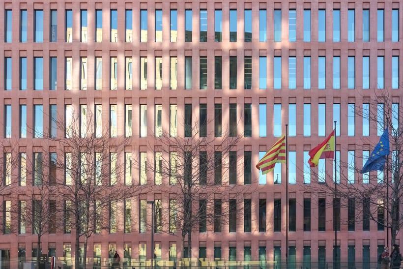 Mi Proyecto del curso: Fotografía arquitectónica y urbana  3