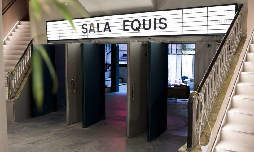 SALA EQUIS 1
