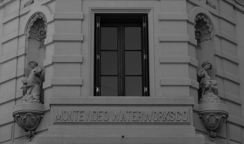 Montevideo histórico en blanco y negro 0