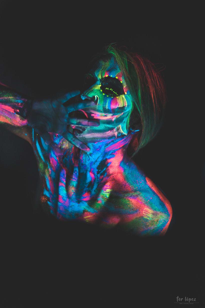 Bodypaint - Luz Negra 11