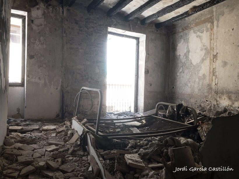 El paso del tiempo por una casa abandonada 2
