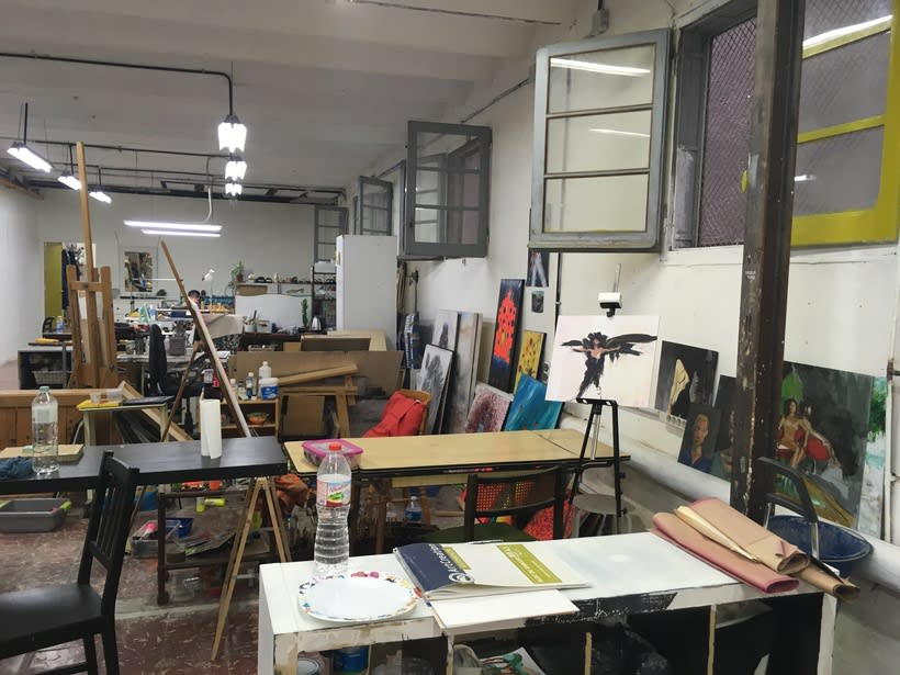 Ofrezco espacios de co-working taller para pintores / artistas en Gracia 1