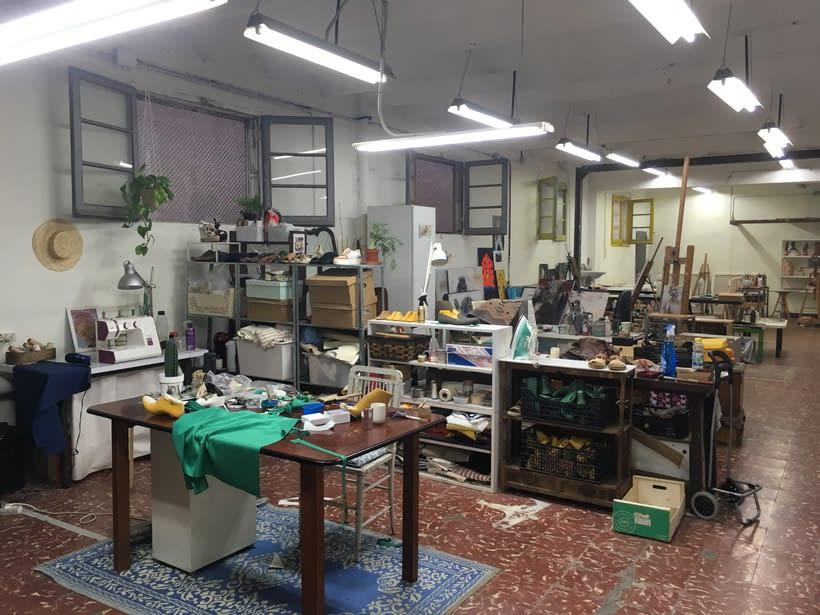Ofrezco espacios de co-working taller para pintores / artistas en Gracia 2