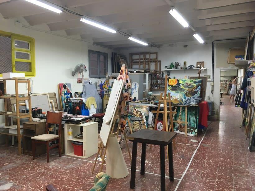 Ofrezco espacios de co-working taller para pintores / artistas en Gracia 3
