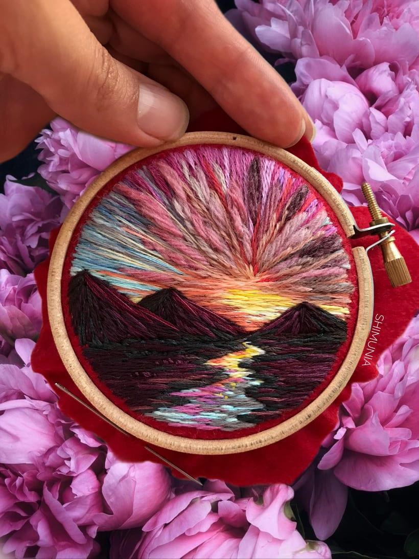Shimunia: Pintando coloridos paisajes con aguja e hilo 1