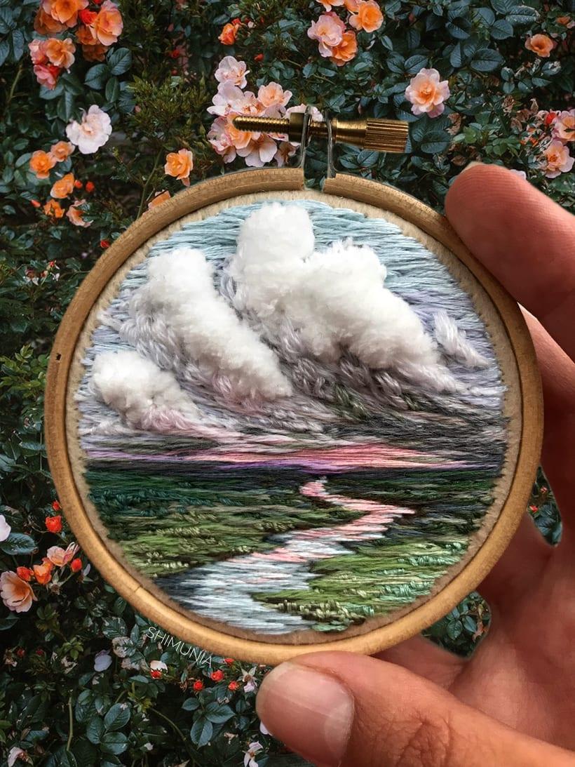 Shimunia: Pintando coloridos paisajes con aguja e hilo 6