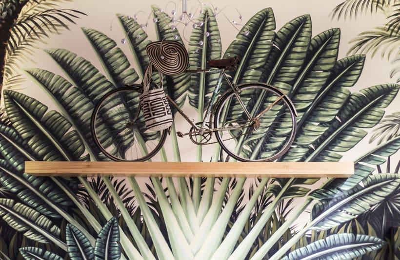 Mural Traveler Palm 3