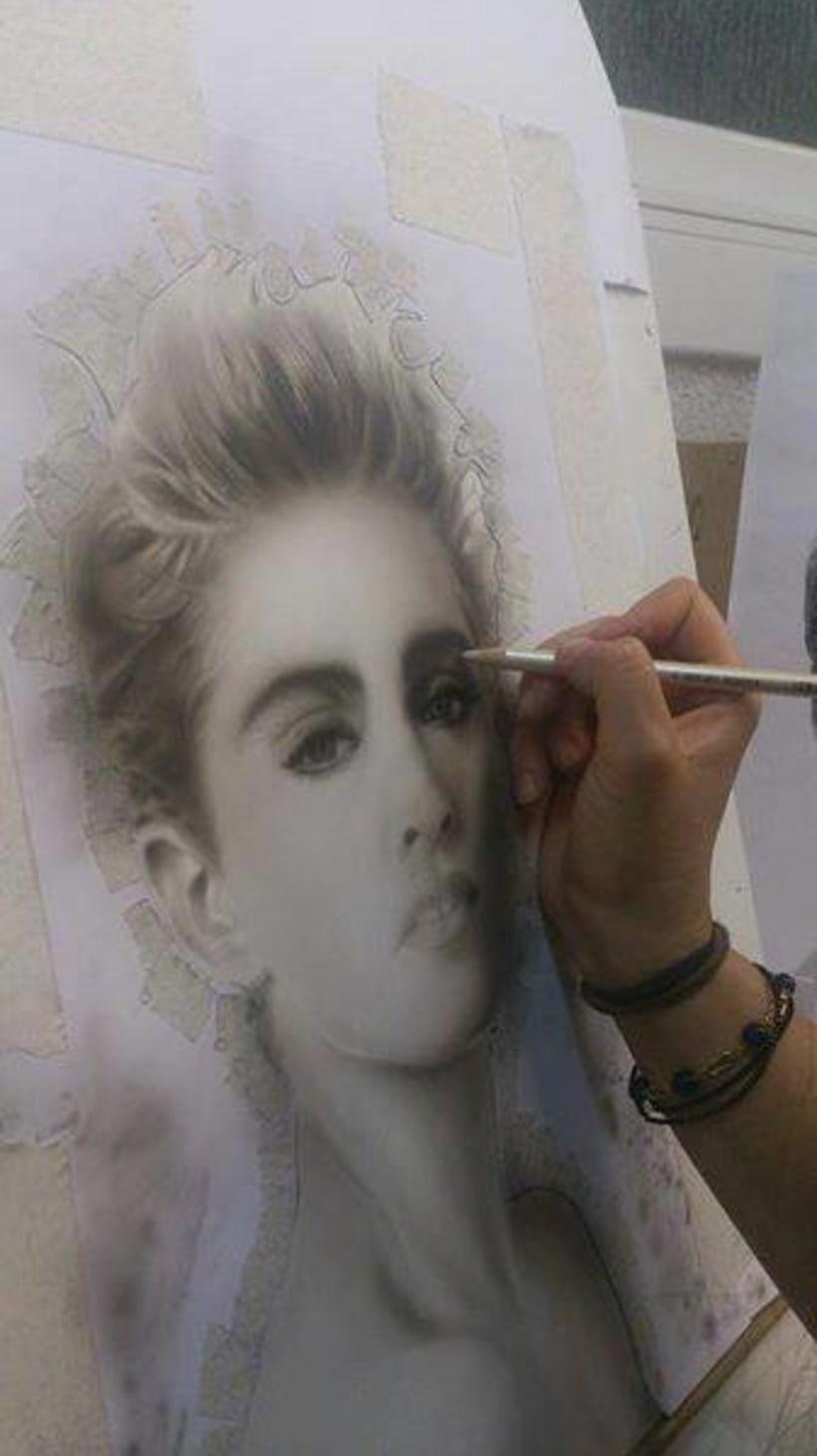 Retrato Con Aerógrafo de Madonna  0
