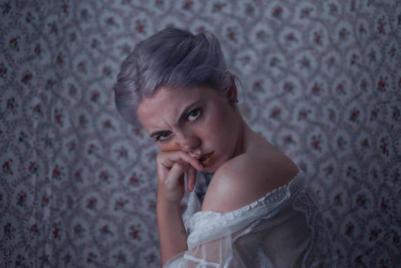 Mi Proyecto del curso: Autorretrato fotográfico artístico  -- Lilac-- 0
