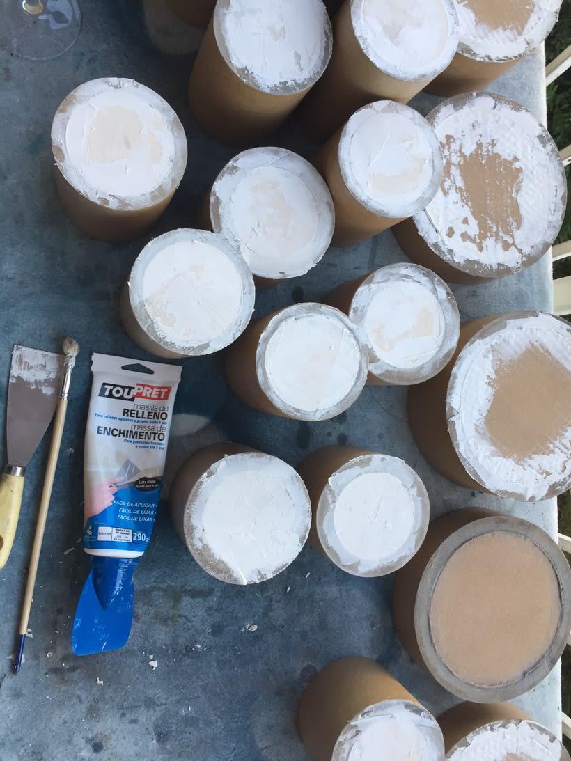 Elementos decorativos con tubos de cartón industrial 9