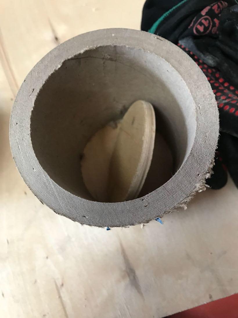 Elementos decorativos con tubos de cartón industrial 10
