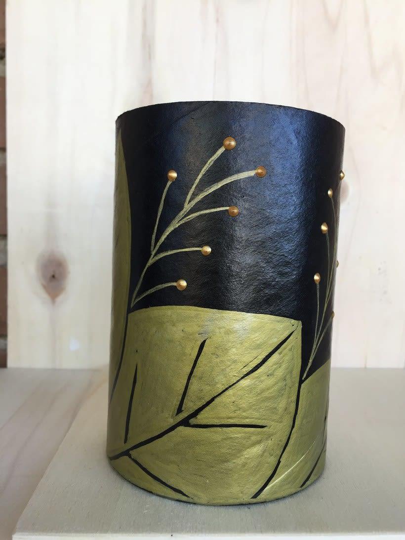 Elementos decorativos con tubos de cartón industrial 0