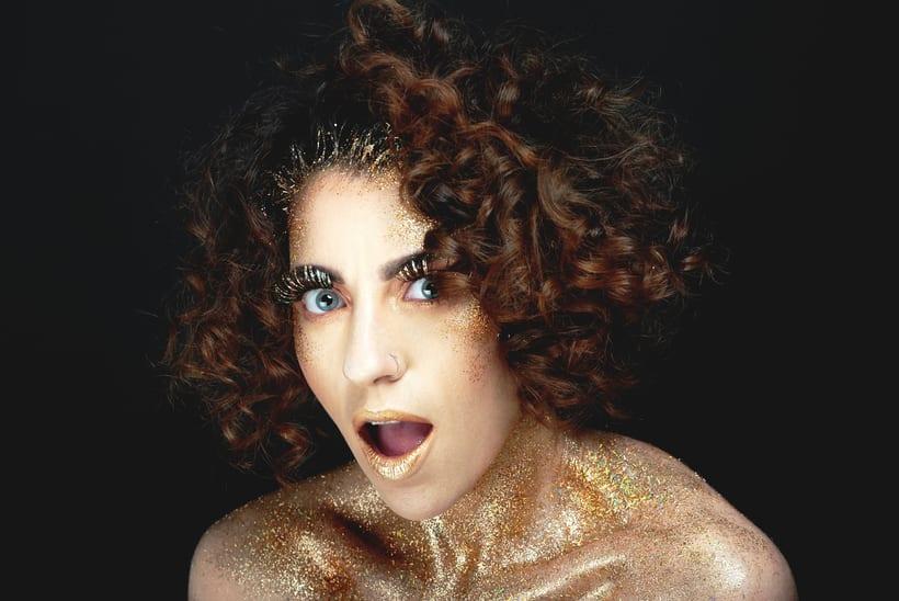 Golden Daniela 4