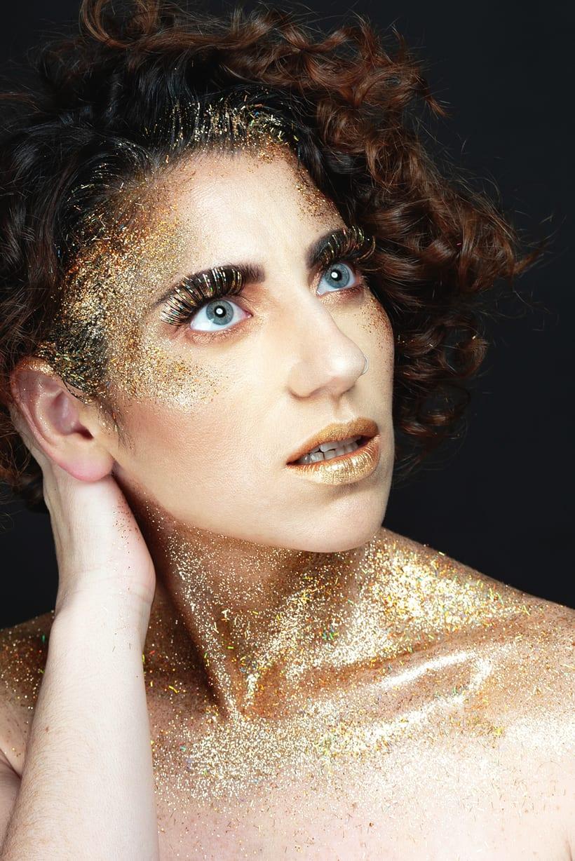 Golden Daniela 9