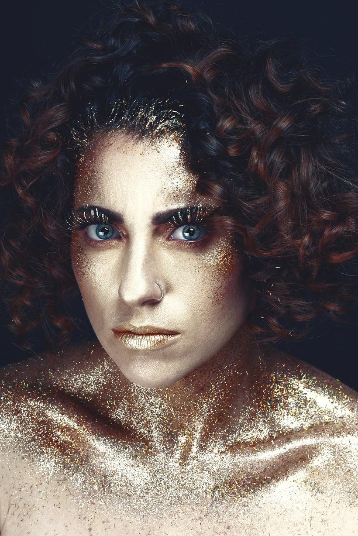 Golden Daniela 11