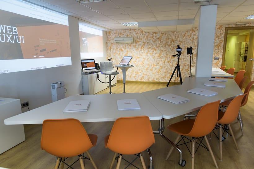 Coworking en Ríos Rosas: Agencia creativa en Madrid busca perfil diseñador gráfico/web/desarrollador 2