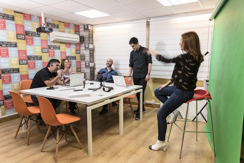 Coworking en Ríos Rosas: Agencia creativa en Madrid busca perfil diseñador gráfico/web/desarrollador 4