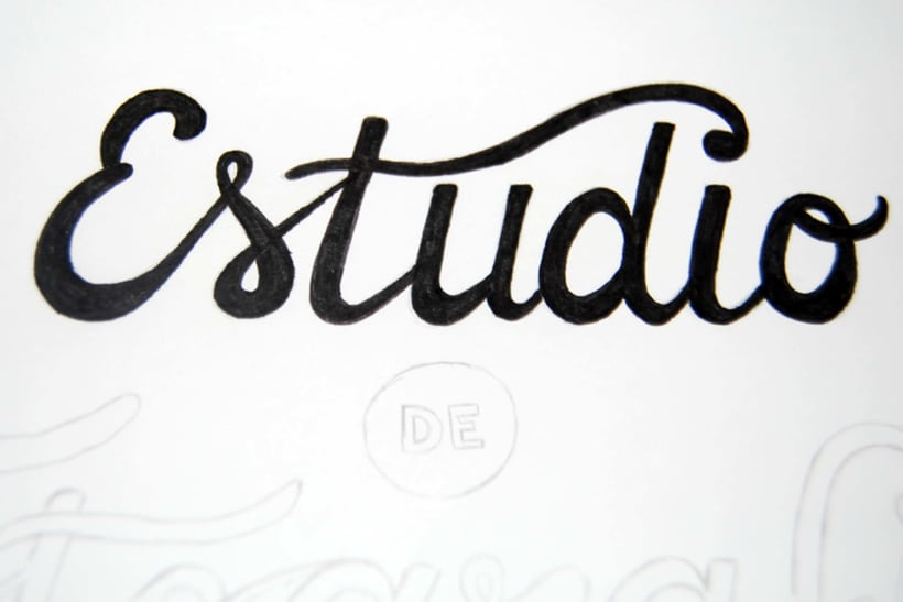 Lettering for Ummo Gallery photography studio | Domestika