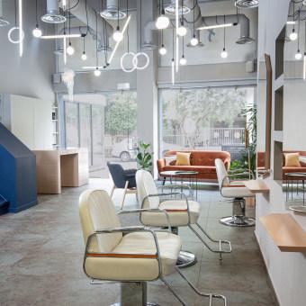 FLAT 20 Hair Salon. Un proyecto de Diseño de interiores, Interiorismo y Diseño de espacios comerciales de STUDIOLAV - 02.07.2020