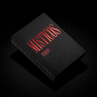 Místicos — Catálogo y diseño expositivo. A Verlagsdesign, Grafikdesign und Piktogramme project by Andrés Guerrero - 03.07.2020