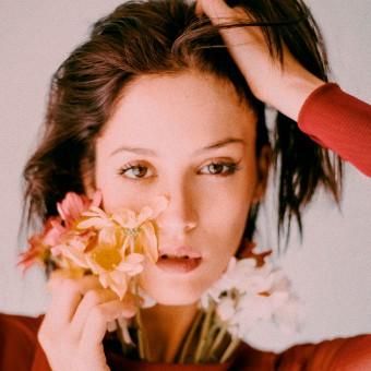 Camila Mateos . Un progetto di Fotografia, Moda, Ritocco fotografico, Fotografia di moda, Fotografia di ritratto , e Fotografia artistica di Giuliana Cataldi - 12.04.2021