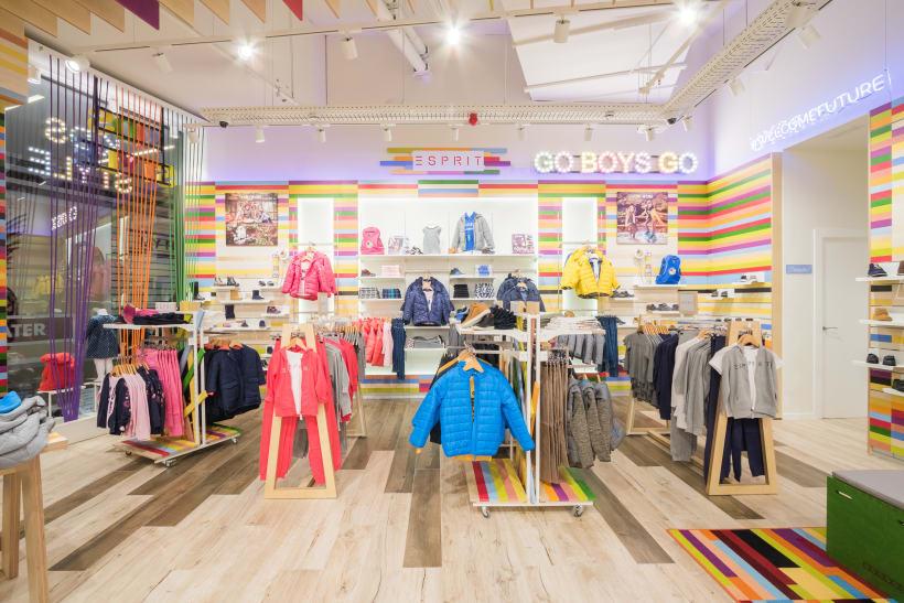 Andes Ten cuidado Aflojar  Pablosky Flagship Store - Centro Comercial Marineda City | Domestika